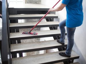Claves de limpieza de las escaleras comunitarias